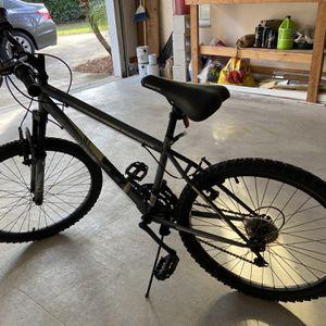 Roadmaster Granite Peak Mountain Bike, 24-inch wheels for Sale in Palm City, FL