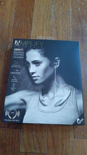 Aduro AMPLIFY SBN45 White & Gray Stereo Headset for Sale in Columbia, LA