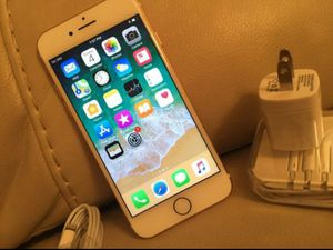 """iPhone 7 32GB ,,Factory UNLOCKED Excellent CONDITION """"aS liKE nEW"""" for Sale in Springfield, VA"""