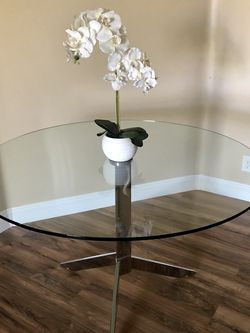 Glass Dining Table for Sale in Las Vegas,  NV