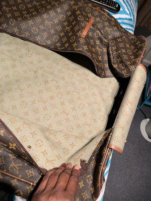 Authentic Louis Vuitton garment bag for Sale in Chicago, IL