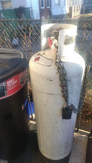 60lb propane tank for sale... 1/4 full for Sale in Philadelphia, PA
