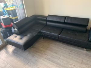 +{[Brand New]}+ Sectional Sofa Black $599 / Financing Available for Sale in Miami, FL