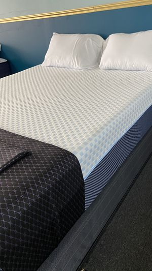 Queen Cooling Memory Foam Mattress with Green tea Support Foam I LG for Sale in Irving, TX