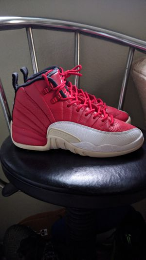 Size 6 woman nike Air Jordan 12 retro valentines day lebron bred 11's for Sale in Buena Park, CA