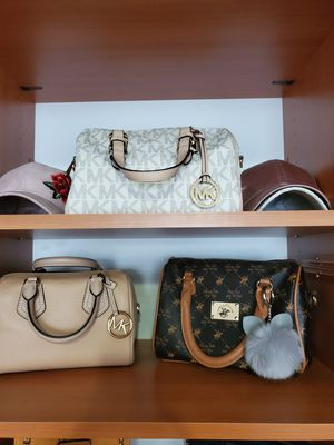Michael kors 👜👍 for Sale in Chicago, IL