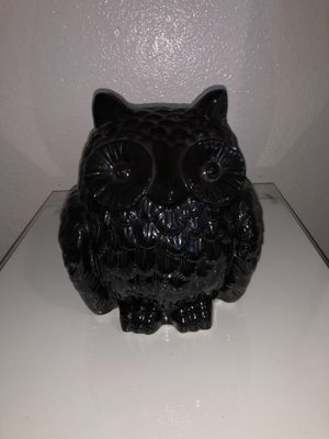 Black owl decor for Sale in CRYSTAL CITY, CA