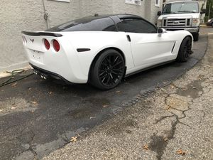05 c6 Chevy corvette automatic for Sale in New Rochelle, NY
