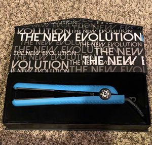 Classic Styler Hair Straightener 1.25 for Sale in San Diego, CA