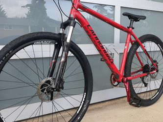 Beautiful Bike Cannondale for Sale in Vancouver,  WA