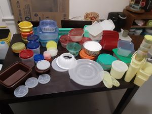 Tupperware! All clean no stains all have lids for Sale in Columbus, OH