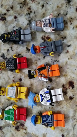 Set of 9 lego people for Sale in Miami, FL