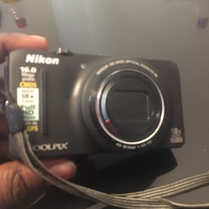 nikon camera for Sale in Fort Washington, MD
