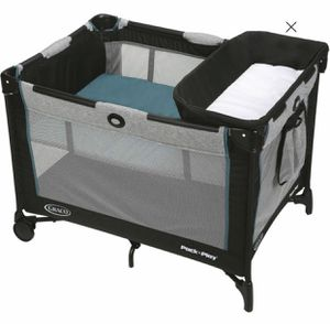 Graco Pack and Play with changing table for Sale in Hialeah, FL