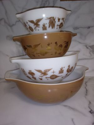 Vintage Pyrex Ovenware Bowl Set for Sale in Lacey, WA