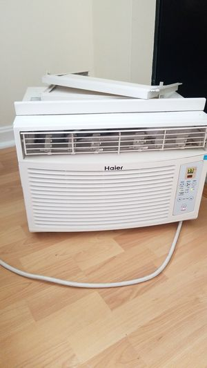 Haier air conditioner, 8000btu . for Sale in Everett, MA