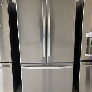 French Door Refrigerator for Sale in Houston, TX