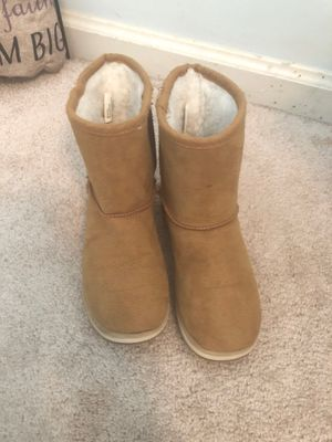 Size 2 girl tan boots for Sale in Acworth, GA