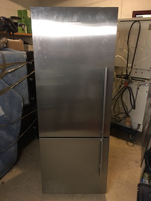 Fisher & Paykel Refrigerator for Sale in New York, NY