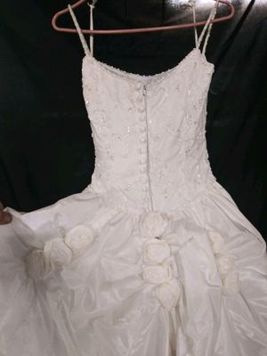 Wedding dress used but in great condition. for Sale in Tooele, UT