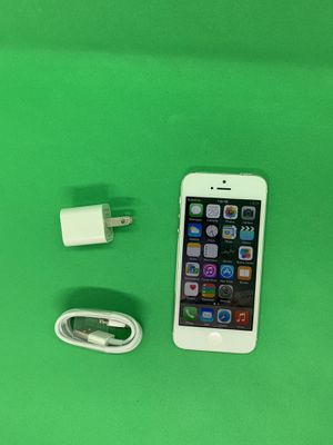 iPhone 5 16Gb Unlocked for Sale in Brooklyn, NY