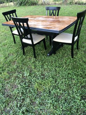 Big dining table for 4 for Sale in Arlington, TX