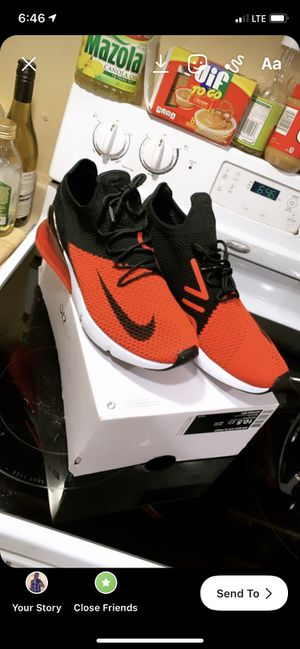 Air Max 270 flyknit size 10.5 for Sale in San Lorenzo, CA