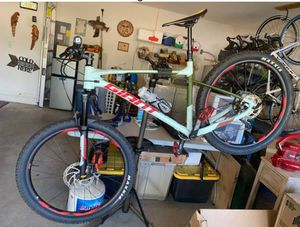 2019 Giant Fathom 2 Mountain Bike Barely used for Sale in West Palm Beach, FL
