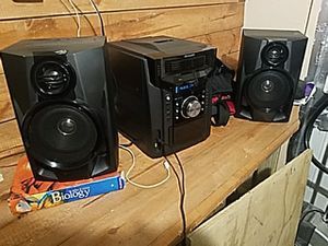 Sharp stereo system for Sale in Detroit, MI