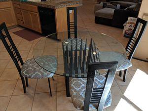 4 person glass dining table for Sale in Pleasanton, CA