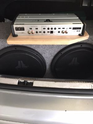 JL Audio Amp and Subs w/ Enclosure box for Sale in Herndon, VA