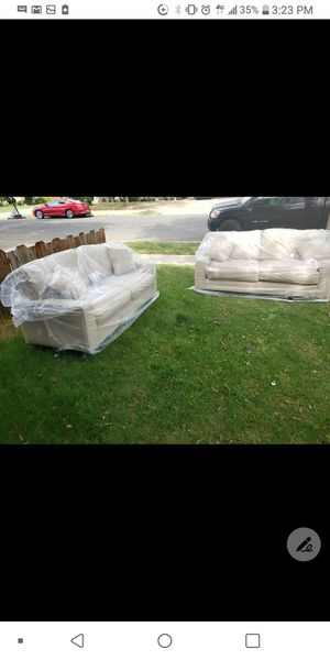 2 pieces brand new sofas set. For $400 set for Sale in Fresno, CA
