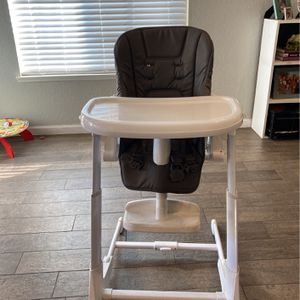 Joovy Highchair for Sale in Chino, CA