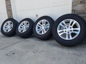 """Excellent condition chev 2019 18"""" rims and michelin 265/65 R18 tires for Sale in Spanaway, WA"""