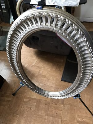 Oval Vintage Mirror for Sale in Jersey City, NJ