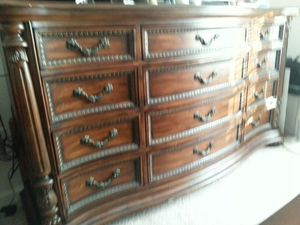 Moving sale king size bedroom set for Sale in High Point, NC