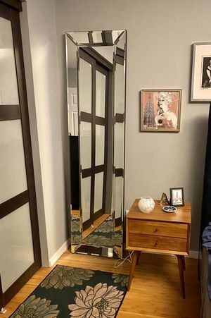 Gorgeous Pottery Barn Bevel Standing Mirror for Sale in Cranbury, NJ