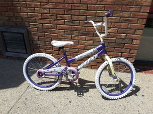"""Girls 20"""" bike ready to ride purple and white for Sale in Hamtramck, MI"""