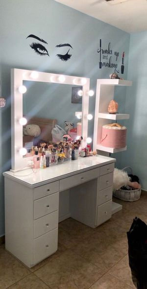 New Vanities, body mirrors, and towers for Sale in Coachella, CA