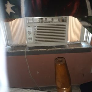 I Have 4 Window AC Units Color White All Work Great for Sale in Houston, TX