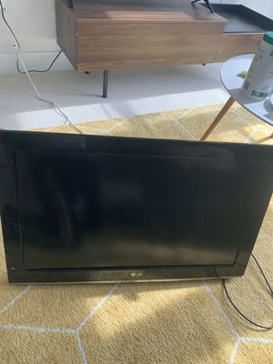 LG TV 32 inch for Sale in District Heights, MD