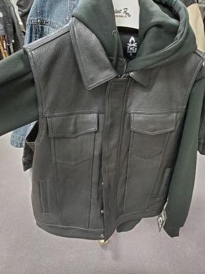 """Heavy weight leather Motorcycle Vest w/ Hoodie """"New"""" for Sale in Phoenix, AZ"""