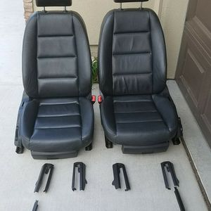 2005 AUDI A4 FRONT & BACK SEATS for Sale in Sacramento, CA