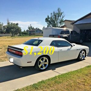 🌺$1,2OO Selling🌺 2009 Dodge Challenger🌺 very nice🙏🏼 for Sale in Los Angeles, CA