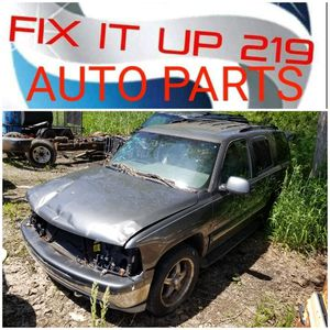 Parts 2001 Chevrolet Tahoe 5.3 auto 4x4 for Sale in Chicago Heights, IL