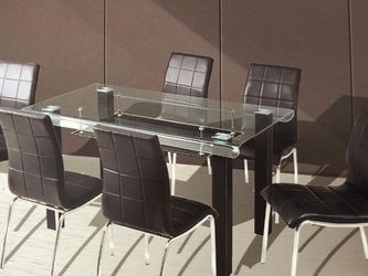 New Modern Dining Table Set Plus 6 Chairs New In Box Last Set !! for Sale in Beverly Hills,  CA