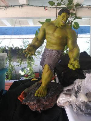 Hulk Green ( collectables ) Marvel Action Figure for Sale in Montclair, CA