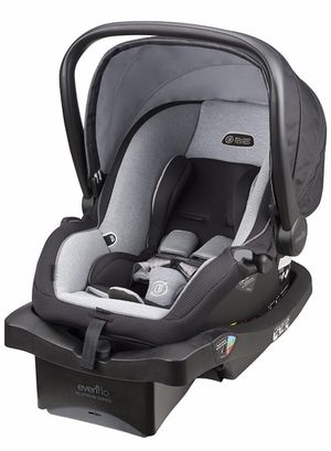 Baby Newborn / Infant Car seat for Sale in San Bernardino, CA