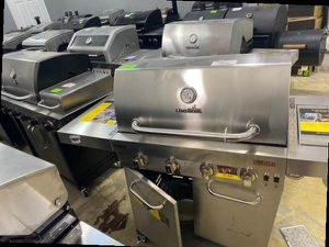 Charbroil 453257520 propane grill 🤯🤯🤯 BK9 for Sale in Houston, TX