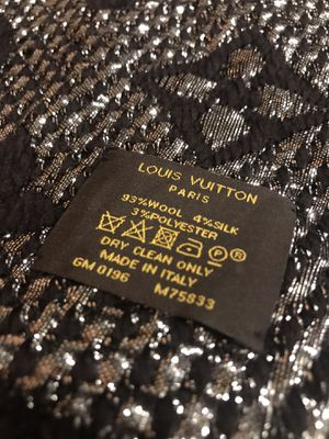 Louis Vuitton Black/Silver Scarf for Sale in Queens, NY